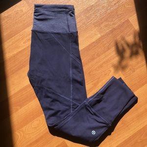 Lululemon size 4 crop legging soo cute!